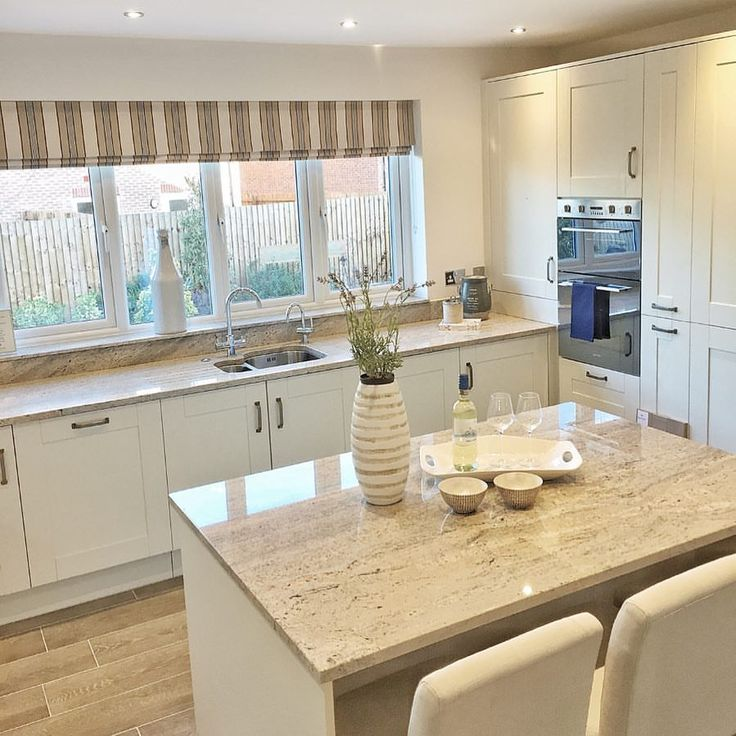Morning everyone, hope you all enjoy the weekend. I'll be planning the house move amongst a million other things.....busy, busy! Redrow Shomehome | The Richmond ___________________________________________________________ #interiordesign #homedecor #homedesign #redrowhomes #redrow #therichmond #kitchenisland #interior123