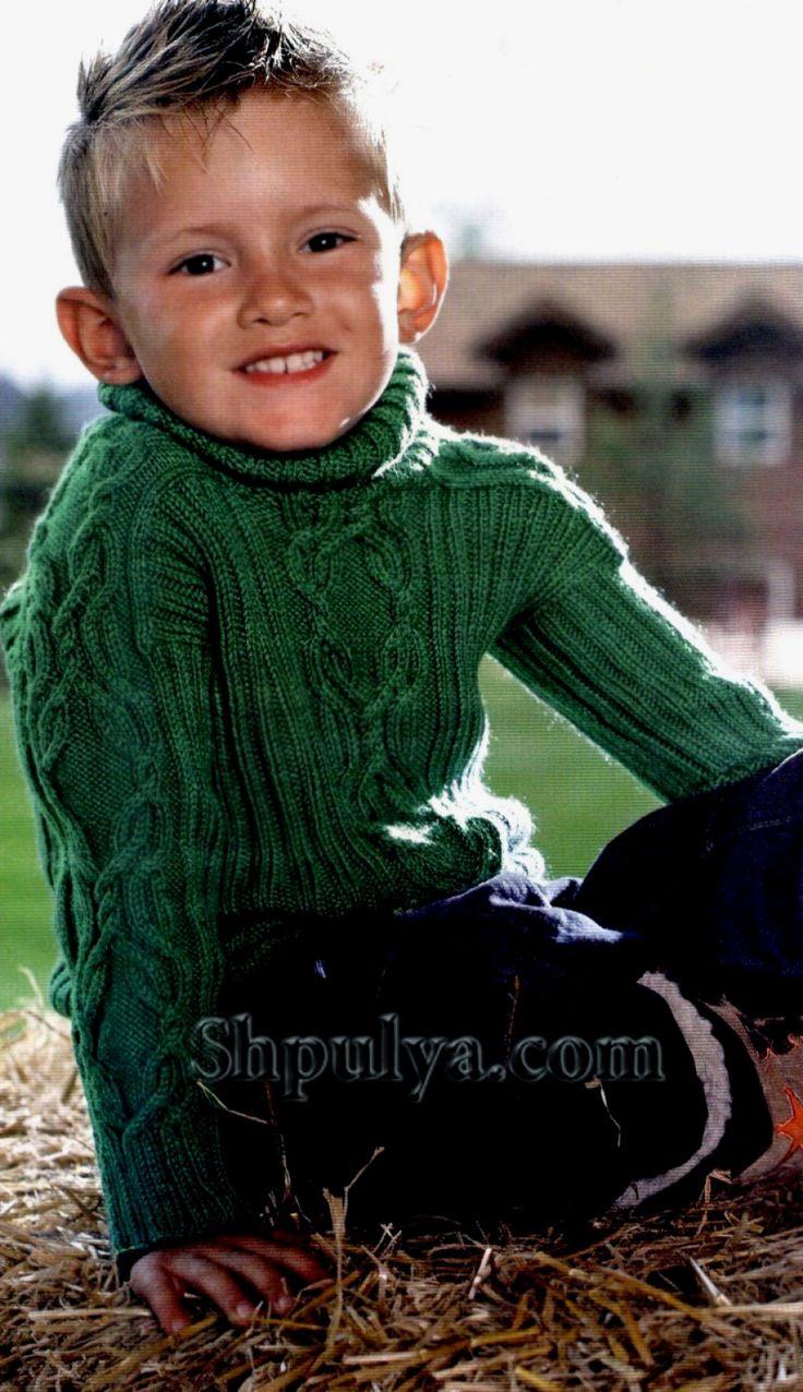 Зеленый свитер для мальчика, вязаный спицами