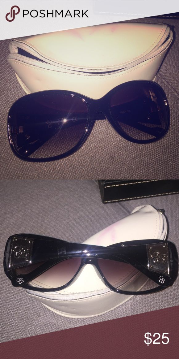 Jessica Simpson Black Sunglasses Gorgeous Sunglasses by Jessica Simpson Jessica Simpson Accessories Sunglasses
