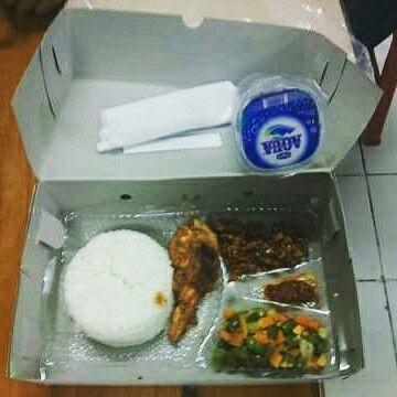 Nasi kotak rizky murah di denpasar