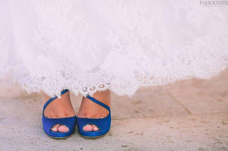 Νυφικα παπουτσια με χρωμα... μπλε - MyWeddingStar.gr - Γαμος | Ιδεες | Νυφικά | Στολισμος | Δεξιωση | Περιοδικο γαμου| Gamos