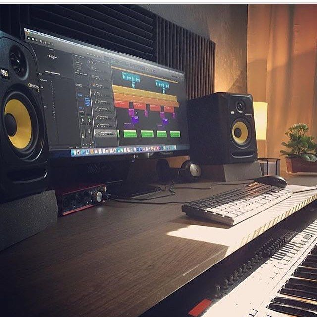 Beautiful music studio from @renatopxto. I would love to own it myself. -------------------------------------------#spotify #soundcloud #ableton #logicpro #mac #keyboard #midi #speaker #producer #dj #music #pc #studio