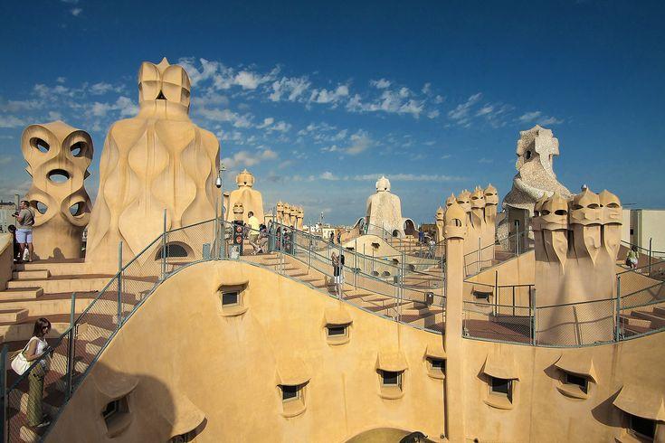 Antoni Gaudi -Casa Mila