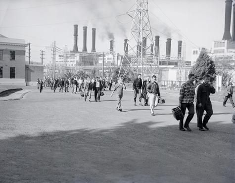 [Workers leaving the Power Station at the end of the shift, Yallourn, about 1930.]
