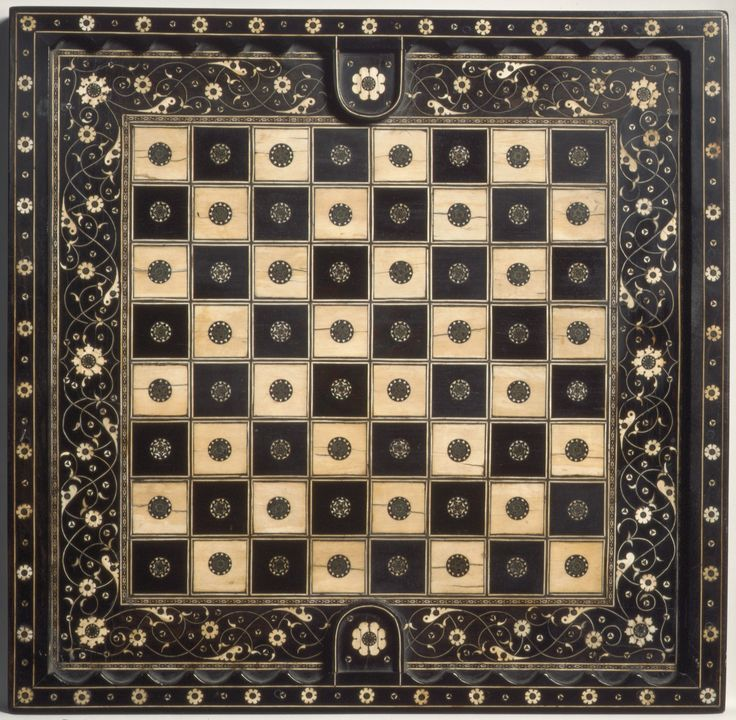Chess and goose game board Chess side Northern Italian