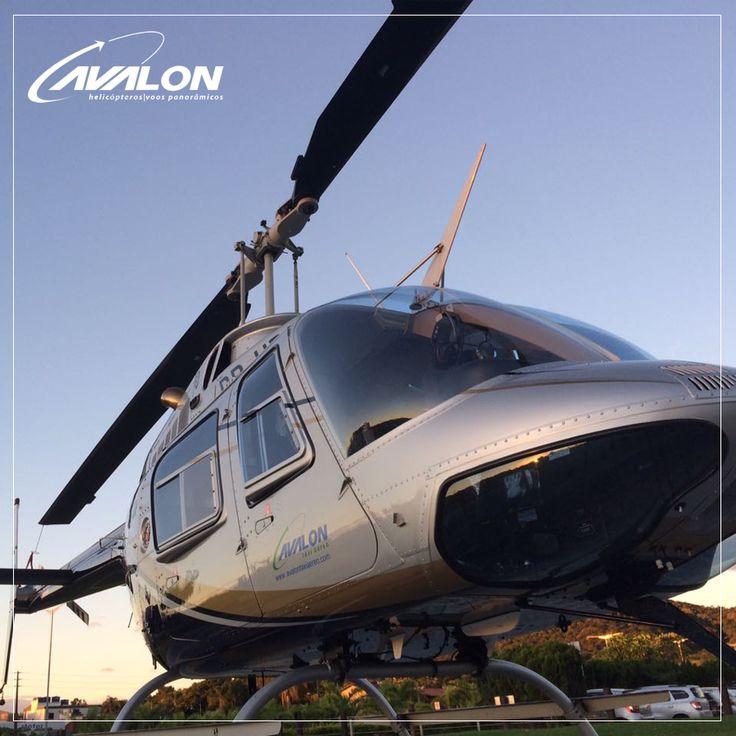 Nosso Bell Jet Ranger está sempre brilhando para você voar em grande estilo.👌    Traslados e Voos Panorâmicos no litoral de Santa Catarina é com a Avalon - Taxi Aéreo.🚁😉    #VoeAvalon #SantaCatarina #VooPanorâmico #Traslados #Litoral