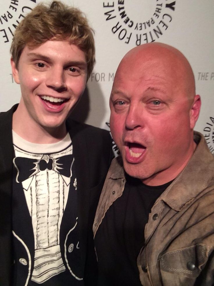Evan Peters & Michael Chiklis. I'm a huge fan of The Shield, so excited about him joining the cast!