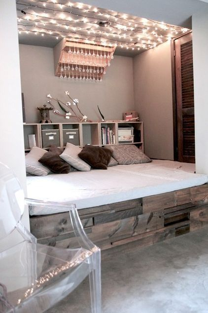 Awesome bedroom design I want !!!!always wanted something with the lights like that. Honestly.