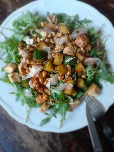 Oosterse maaltijd salade