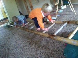 Use a ladder to make a balance beam and for all kinds of play! Gross Motor Activities, Rainy Day Activities, Summer Activities For Kids, Diy For Kids, Activity Days, Family Activities, Diy Balance Beam, Summer Fun List, Party Summer