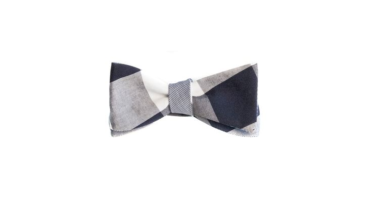 I love this blue gingham bow tie!