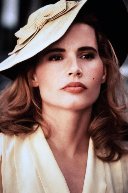 Dottie Hinson (Geena Davis) ~ A League of Their Own (1992) ~ Movie Stills ~ #moviestills #leagueoftheirown #90smovies