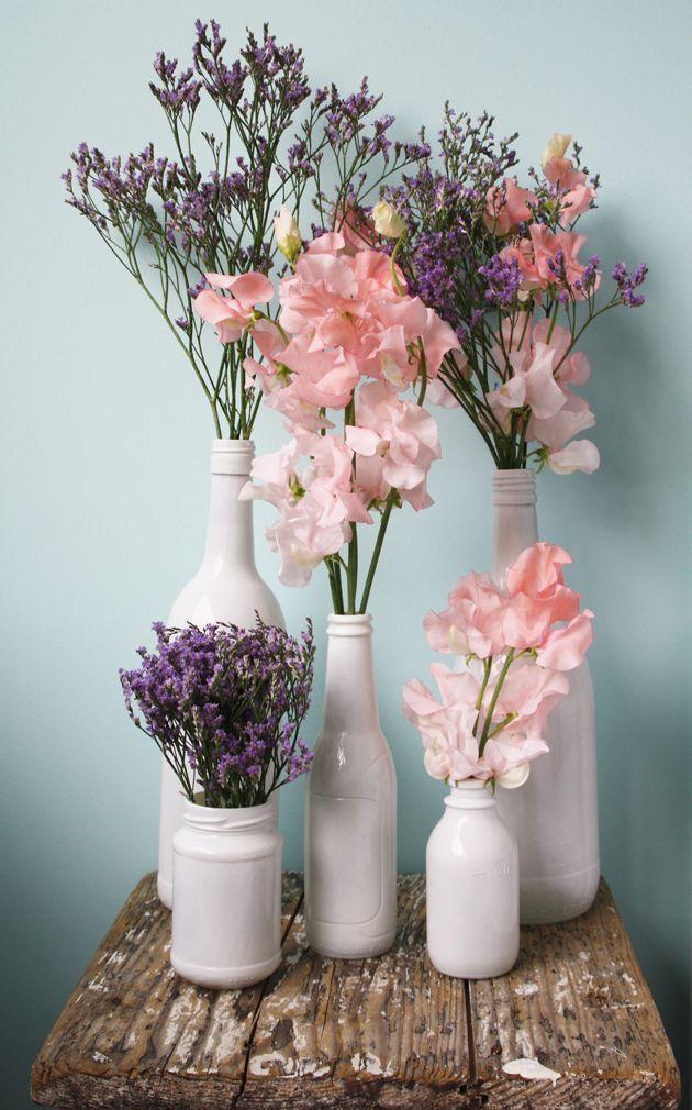zelfgemaakte vazen van oude flessen, iets om te onthouden! (en te maken. later. als er meer tijd is. ooit.)