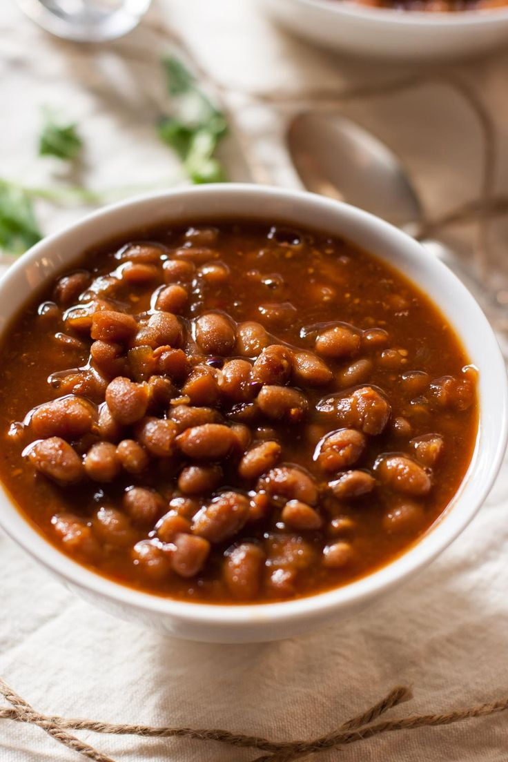 Vegetarian Slow Cooker Baked Beans Recipe from mycaliforniaroots.com, a vegetarian food blog.