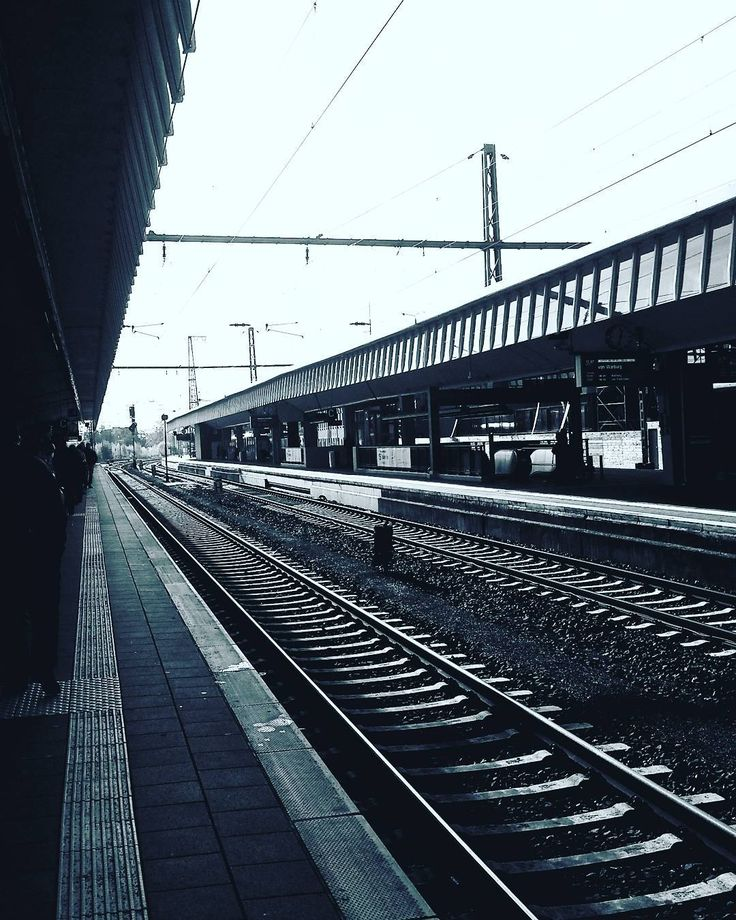 Alles in einem Punkt  #Bahnhof #trainstation #Münster #Travel #Photography #monochrome