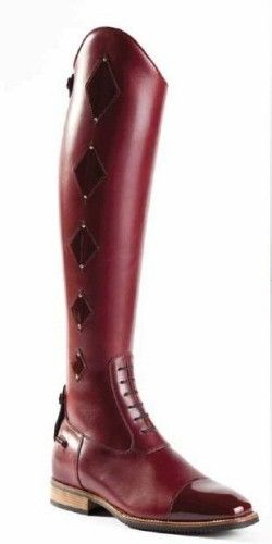 Lovely equestrian boots from DeNiro boot company.