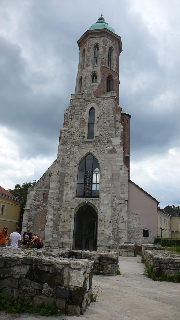 Budapest, medieval church ruin, Castle Hill.