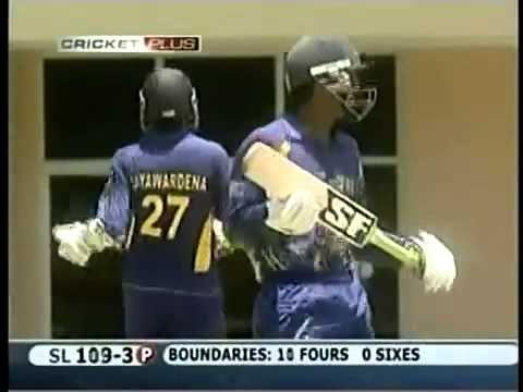 Mahela Jayawardene and Chamara silva smashed 4,4,4,4,6 to Shaun Tait