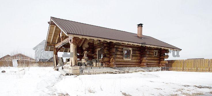 """Баня """"Медведь"""". Кедровые бревна диаметрами 38-42см в вершине с красивыми комлями смотрятся очень эффектно. При монтаже мы ежедневно принимали экскурсии местных жителей, которые с вострогом смотрели на огромные сибирские бревна."""