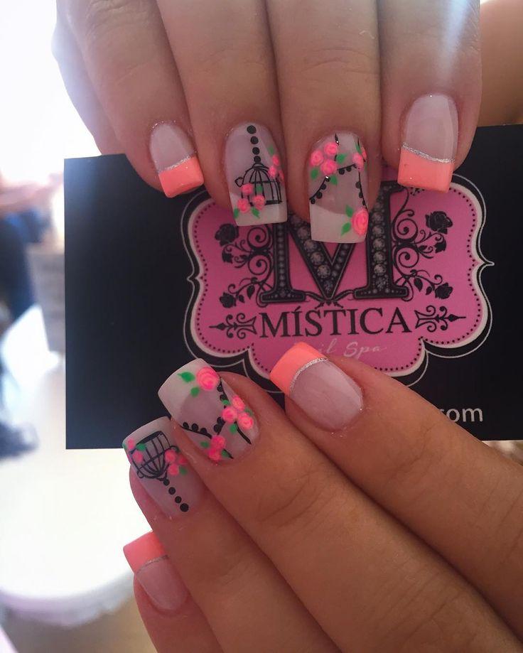 """""""#Repost @fun2lashmedellin with @repostapp. ・・・ Cuando me preguntan por mis lindas uñas siempre digo @misticanailspa el mejor en Medellín y una excelente…"""""""