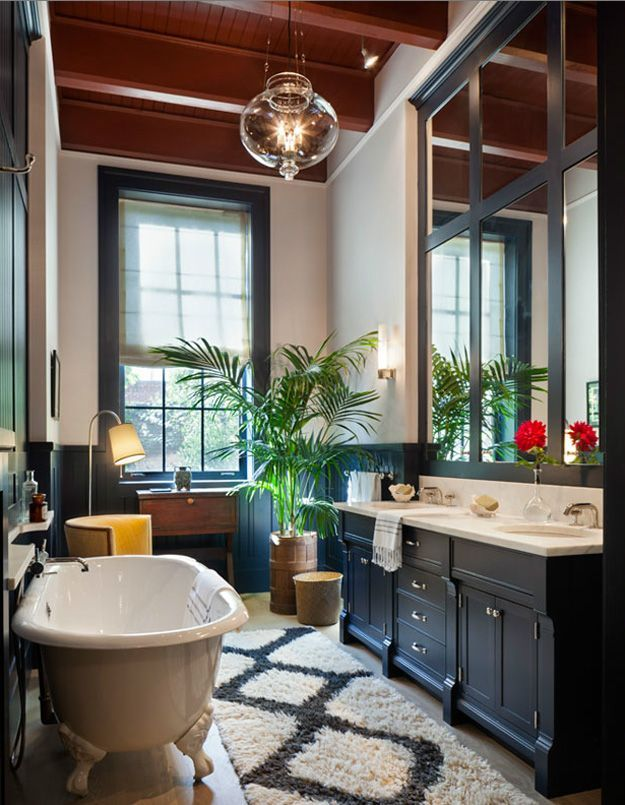 Townhouse Living With Traditional And Modern Design Modern Luxury Bathroom Bathroom Design Luxury Townhouse Interior