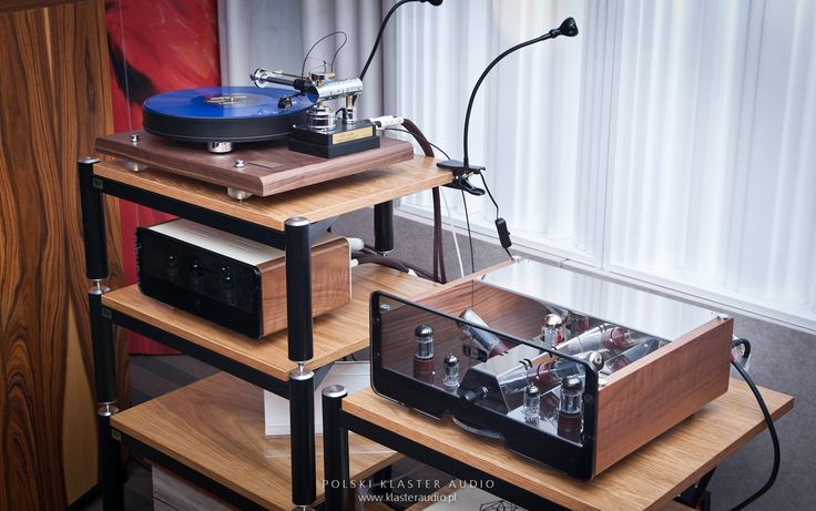 EGG-SHELL vacuum tube amplifiers (integra + phono stage) and tangential turntable Pre-Audio.