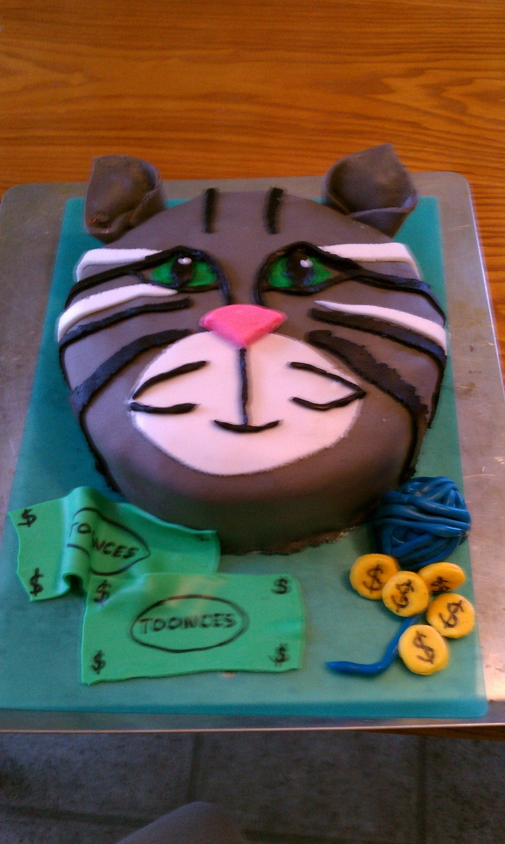 A cake I made of a friend's cat, Herbert Toonces.