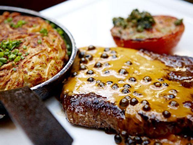 Hängmörad biff med grönpepparsås (kock Per Morberg)