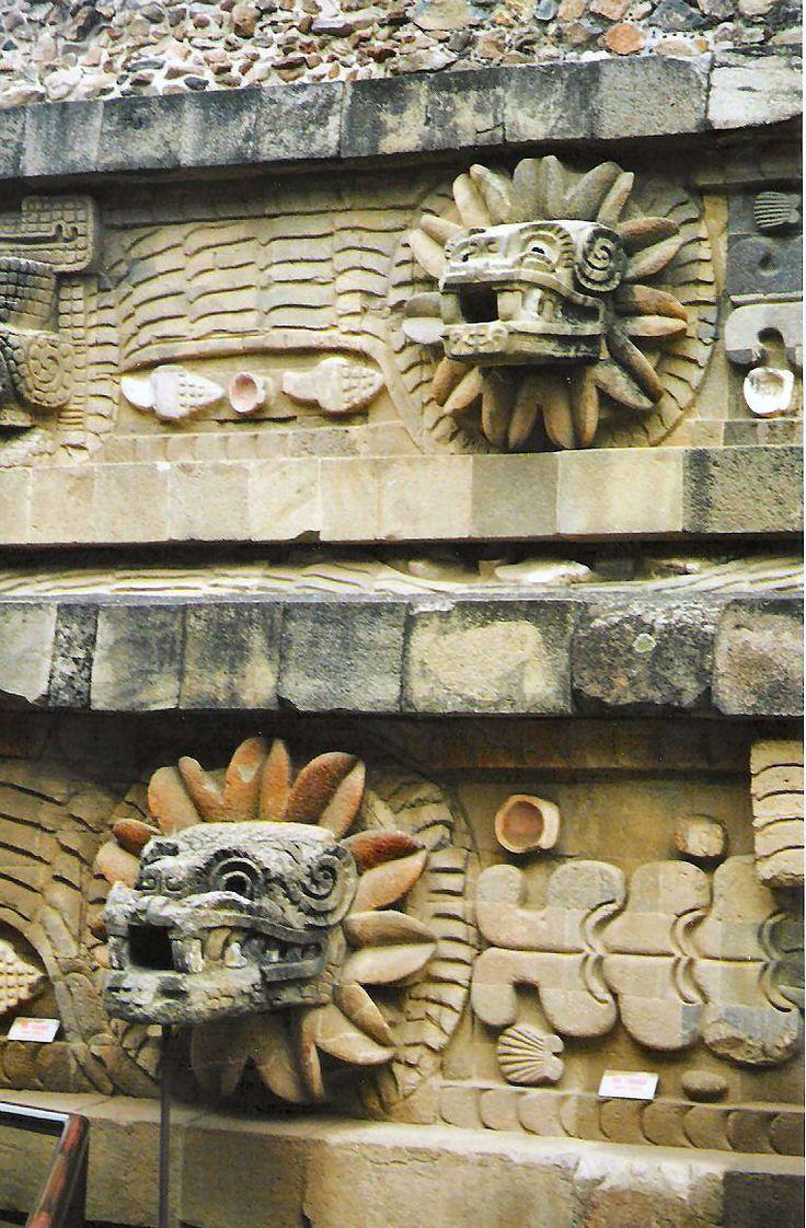 Templo de Quetzalcoatl, Teotihuacan, Edo de México                                                                                                                                                      Más