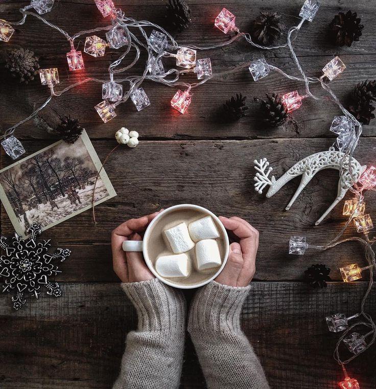 зима, декабрь, скоро новый год, гирлянда, кофе