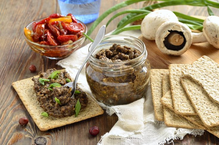 Patè di funghi, la ricetta per prepararlo in casa. Con la sicurezza di un piatto genuino