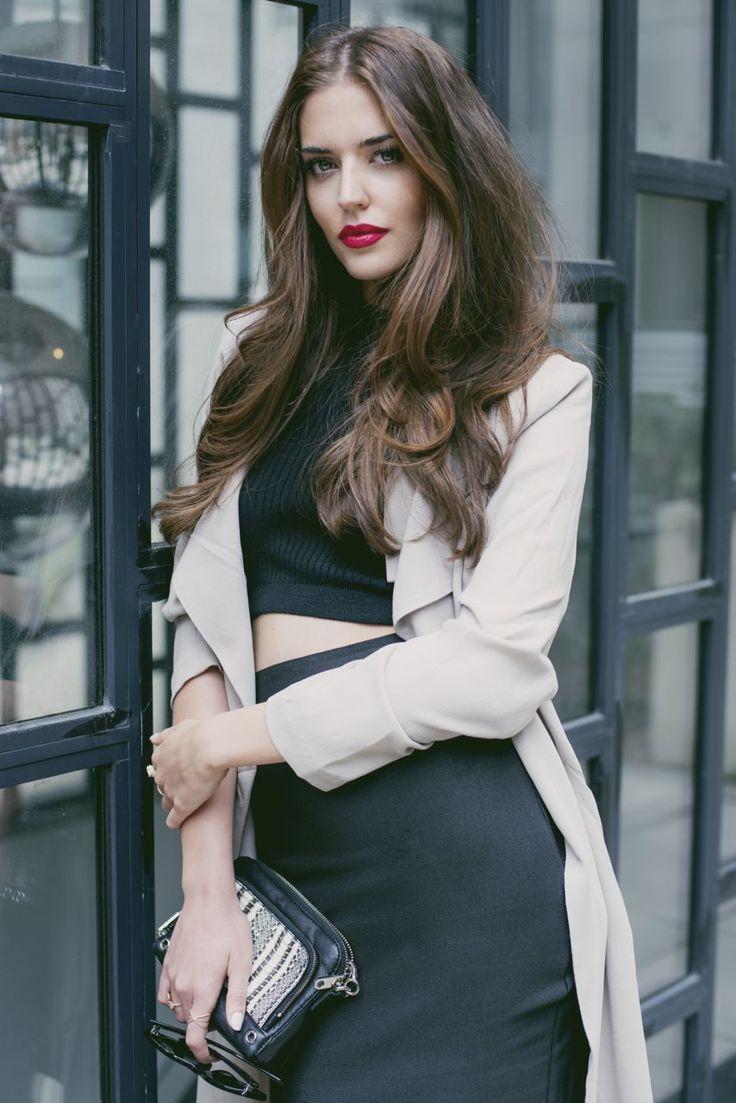 Mi look de hoy fue para asistir a un evento en Nueva York, llevo falda y top de Necessary Clothing, chaqueta de Forever 21, bolso de Milly, zapatos de Valentino y gafas de Celine.