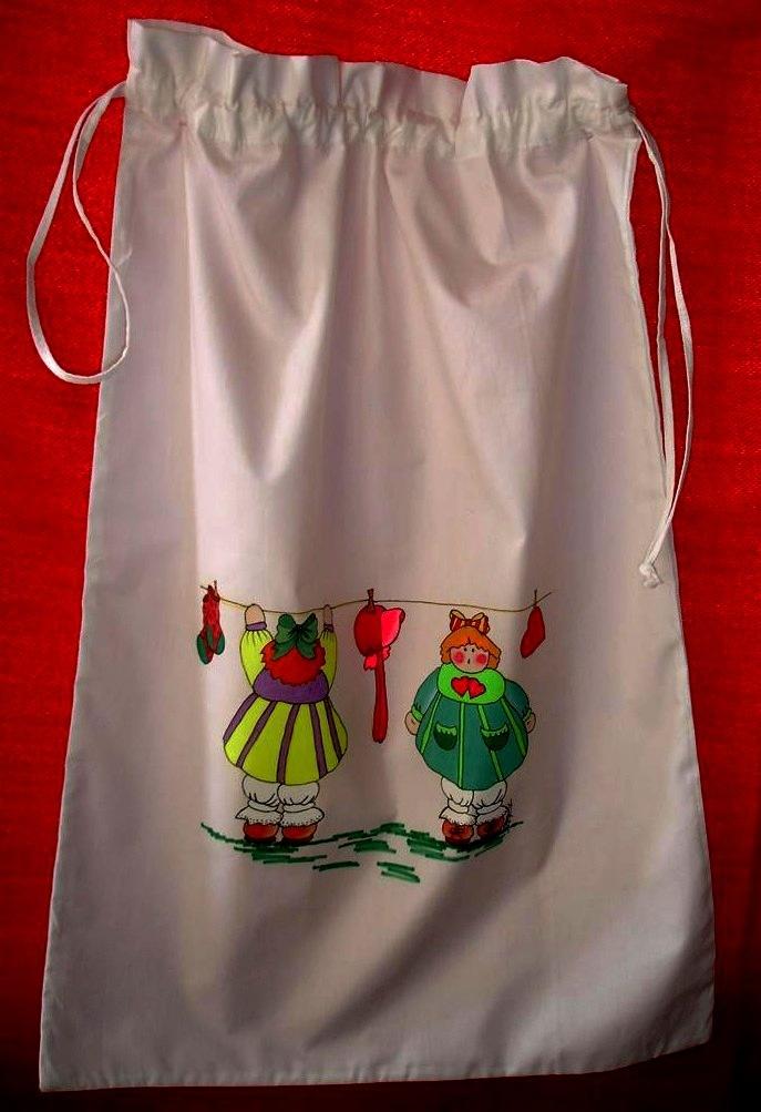 Bolsa multiusos en algodón 100% pintada con pincel. Diseños exclusivos y pinturas holandesas libres de toxicidad. Resistente a los lavados, aunque se recomiendo lavarla a mano para un mayor rendimiento.....