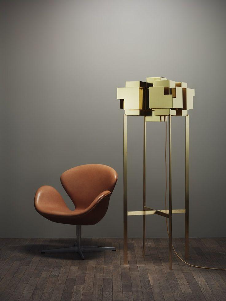 Lámpara de pie de latón Colección Skyline by Örsjö Belysning | diseño Folkform