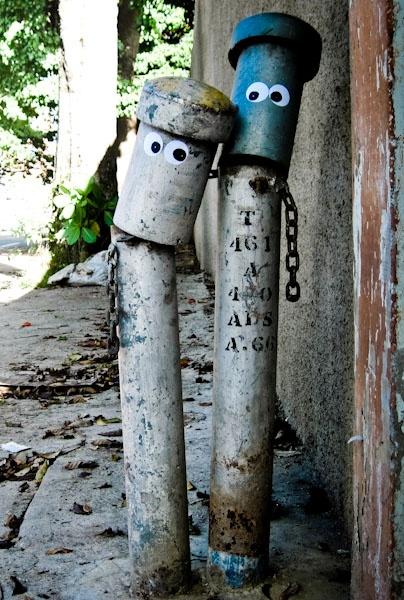 Caracas   Visit full post on photoblog: http://caracasshots.blogspot.com/2011/11/look-of-love.html #streetart jd