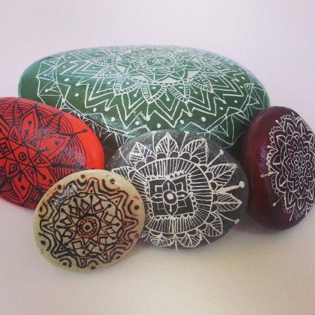 #stone #paintingstone #mandala #taslar #colors #renkler #lovely #love #guzel