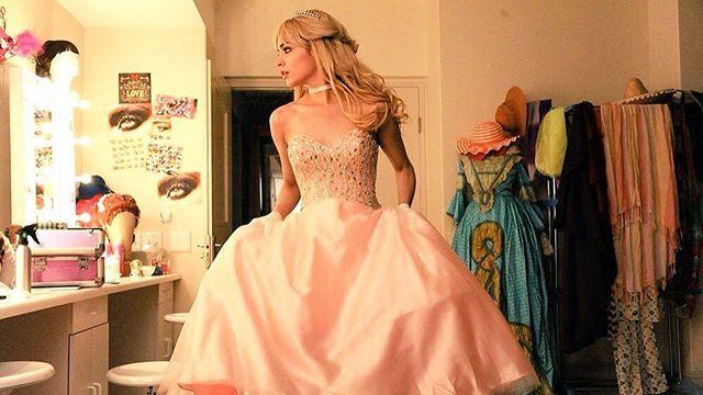Buenas Noches... Sueñen con esta hermosa princesa  #ACinderellaStory