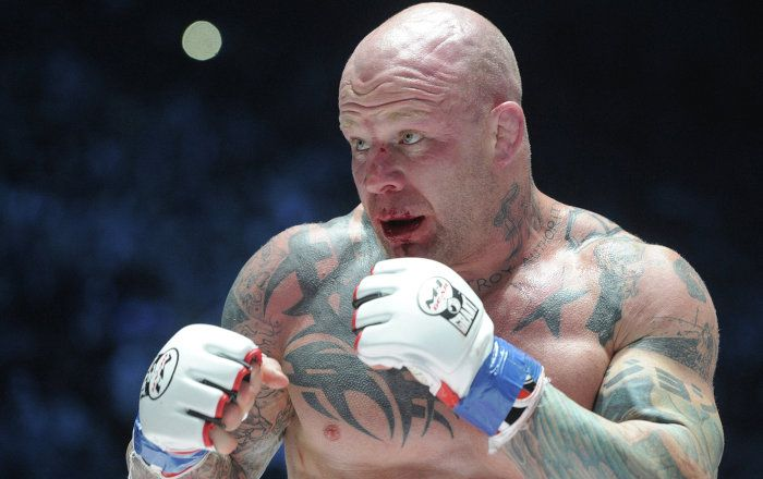 Being a life-long believer in equality and the ideas of socialism, famous MMA fighter Jeff Monson said he wants to become a member of the Russian Communist Party, according to RT.
