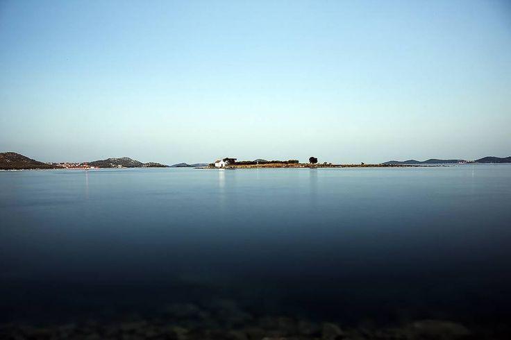 Seaspace #igerscroatia #igershrvatska #croatia #hrvatska #pakostane #sea #morze #island #wyspa #church #kosciol  #ig_europe #ig_shotz #vscocam #vscoeurope #vsco #instadaily #photooftheday #instagramers #instagood #longexposure #canon #chorwacja