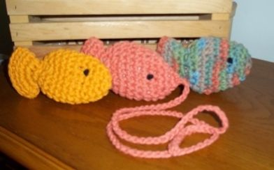 'Cat Toys-Set Of 3 Tropical Colored Crochet Fish ' is going up for auction at  6pm Wed, Aug 29 with a starting bid of $5.