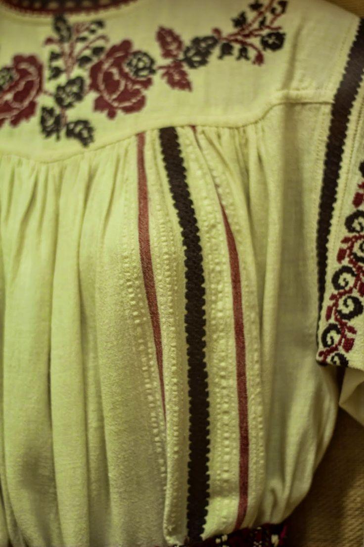 Simona's Journey!: Costum Popular Dobrogea - Ostrov