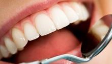 Higienizacja jamy ustnej. Higienizacja to profesjonalne czyszczenie zębów, w której skład wchodzą scaling, piaskowanie i fluoryzacja. Aby prawidłowo dbać o higienę jamy ustnej zalecamy regularne wykonywanie higienizacji raz na 6 miesięcy zachować wyleczony ząb i uniknąć dodatkowych kosztów związanych z implantami lub protezą. #dentistry