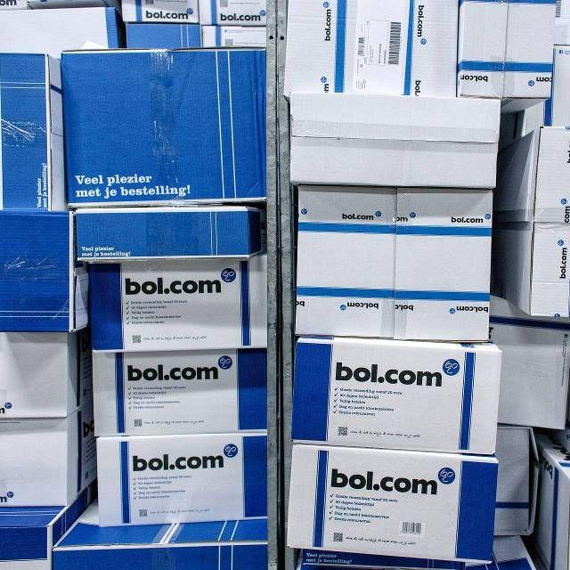 Aholddochter Bol.com schrijft in 2015 opnieuw rode cijfers. We kunnen Bol.com morgen winstgevend maken, maar kiezen ervoor te investeren in groei.