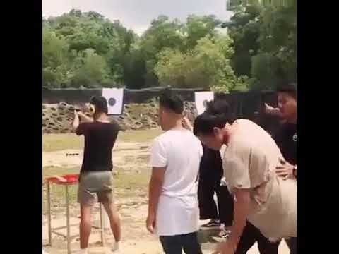 Ketika Latah di lapangan Tembak , nguakak banget !!! - YouTube