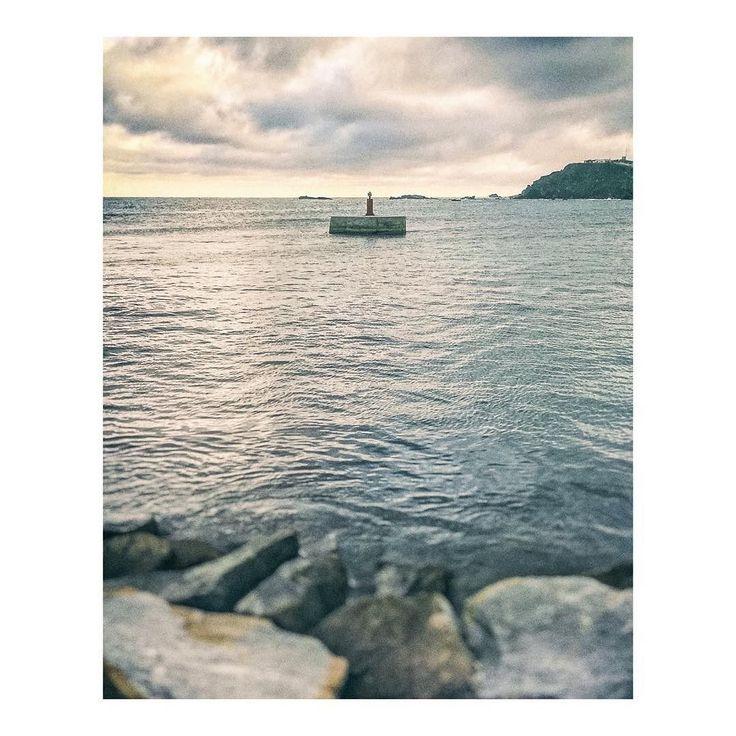 Minifaro vigilando el puerto - Minilighthouse watching the port  #faro #lighthouse #muelle #amarre #dock #docks #mooring #pier #port #puerto #docks #harbour #harbor #mer #bateau #boat #mar #sea #cabodepalos #murcia #spain #imarchi #mobilephotography #fotografomovil #fotografomadrid #instagramspain Originally posted in Instagram http://ift.tt/2spS1QQ on June 19 2017 at 01:46AM Minifaro vigilando el puerto - Minilighthouse watching the port faro lighthouse muelle amarre d imarchi imarchi.com…