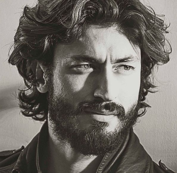 25+ Best Ideas About Vidyut Jamwal On Pinterest | Hrithik Roshan Siddharth Actor And India ...