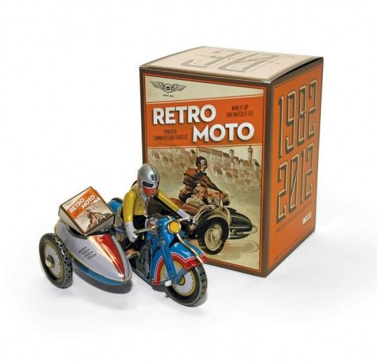 Love the retro toy packaging.