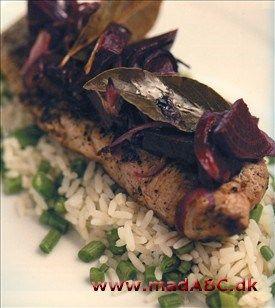 Stegt inderlår med ris og rødbede-chutney