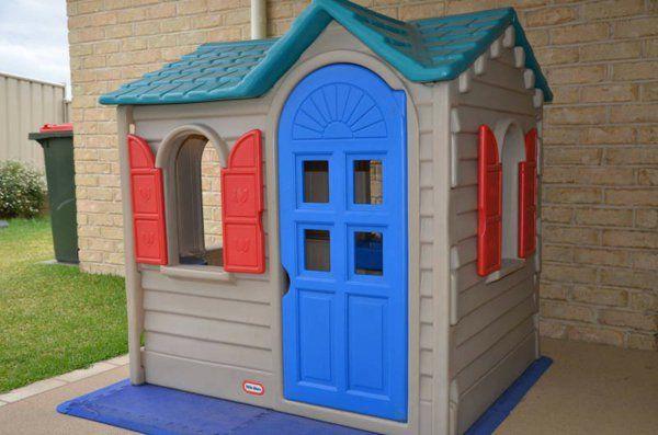 cabane de jardin pour enfant, design plastique