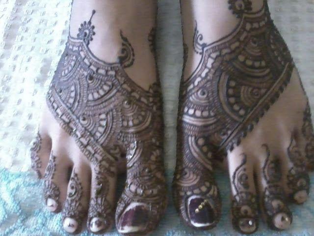 Mahendi Design on feet